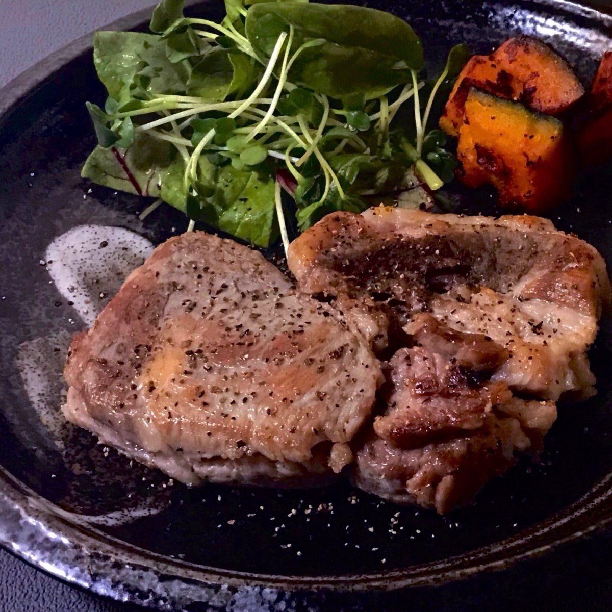 【自家製ポークハム】のステーキ