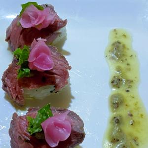 まるで生肉のような肉寿司のレシピイメージ